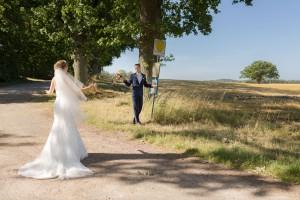 Wann fährt der nächste Bus zur Kirche um zu Heiraten?